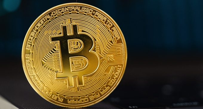 Almost $1 billion in Bitcoin left Coinbase within 24 hours